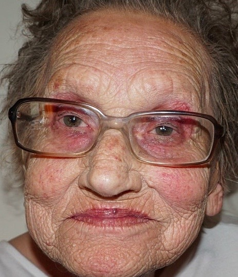 sminka äldre kvinnor