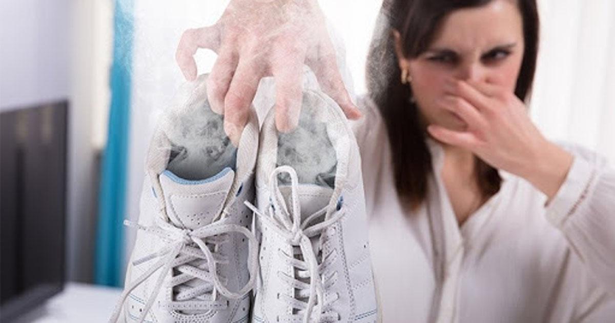 Så får du bort dålig lukt från dina skor – med det här