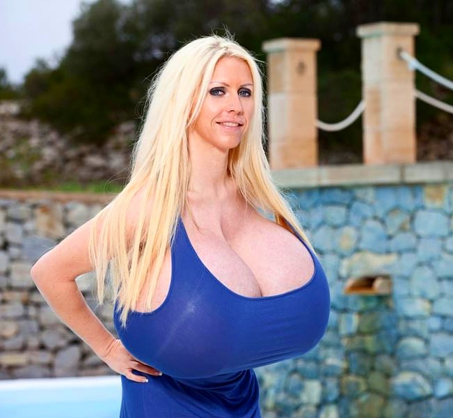 Gigantiska bröst